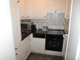 Villa Sirene Ferienwohnung: Separate, sehr gut ausgestattete Küche