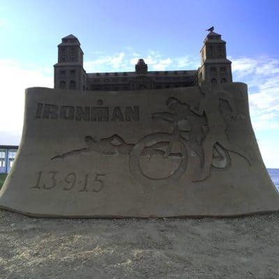 IRONMAN Sandskulptur